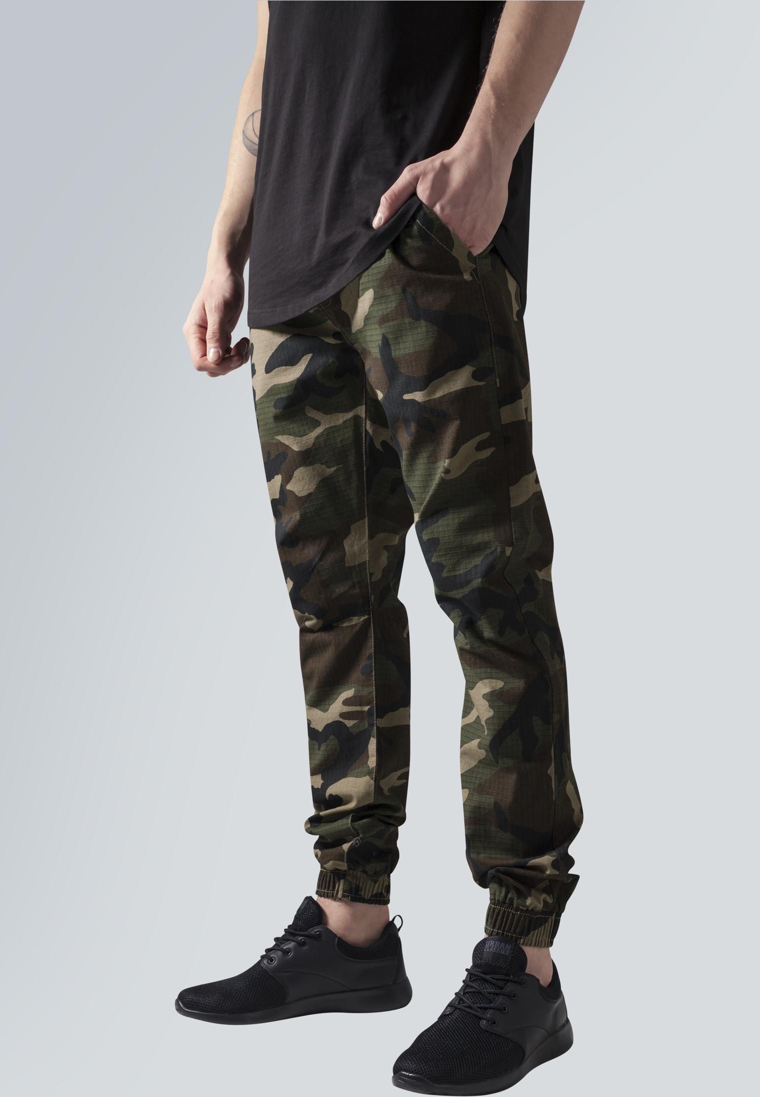 Urban Classics Pánské maskáčové kalhoty URBAN CLASSICS TB1148 Zelený maskáč S
