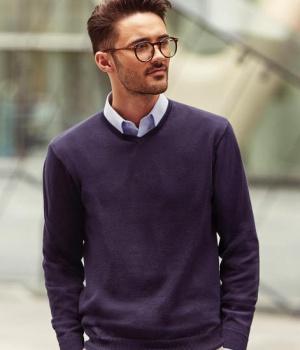 7868529bf09 Pánský svetr svetr s výstřihem do V Russell colection 710M
