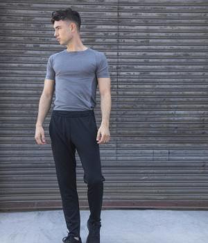c20ecde05ad Pánské kalhoty nadměrné velikosti. Novinka Doporučujeme. Pánské sportovní  tepláky Slim Leg TOMBO (TL580)